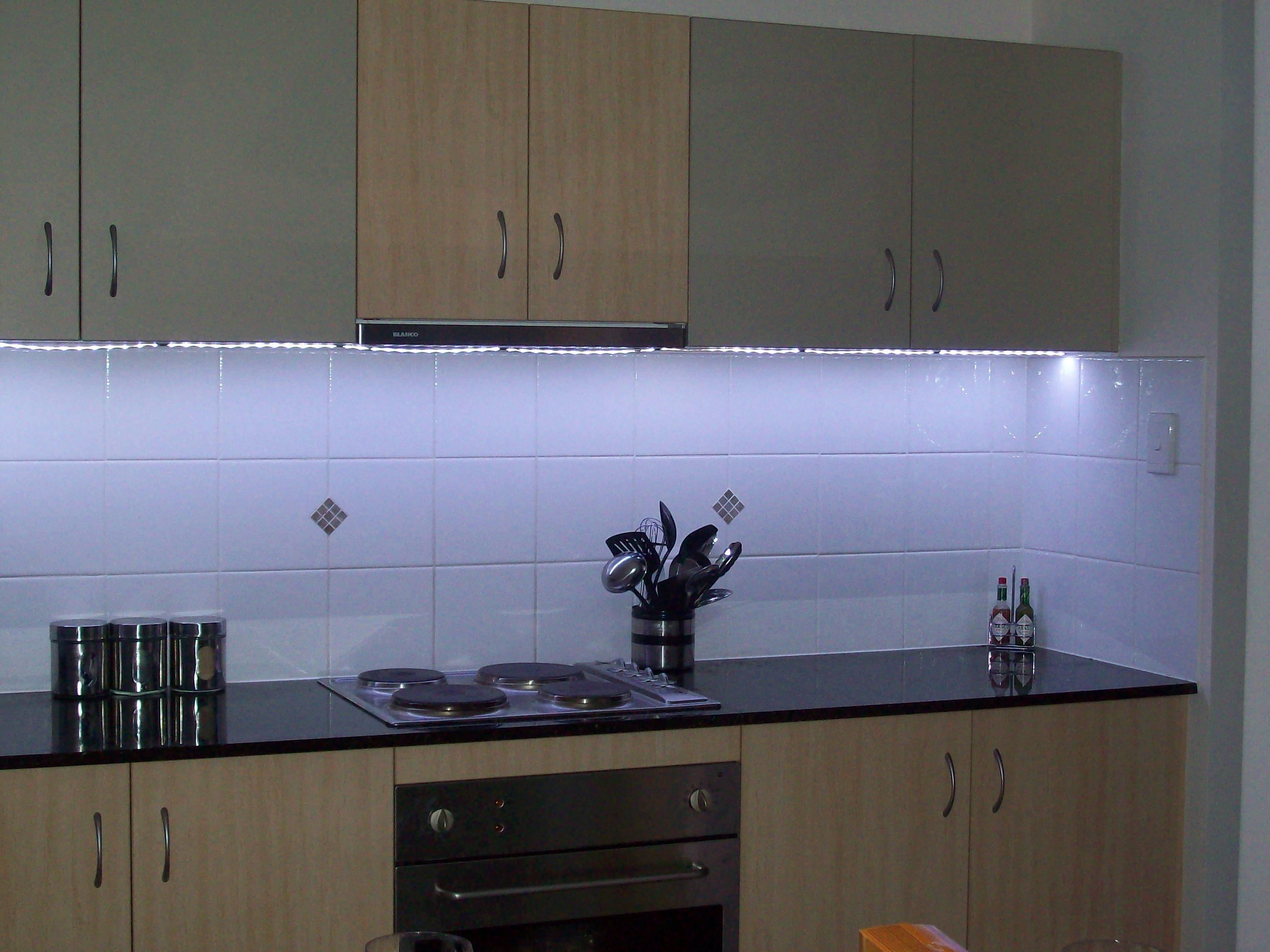 led lampe za kuhinju inspirierendes design. Black Bedroom Furniture Sets. Home Design Ideas